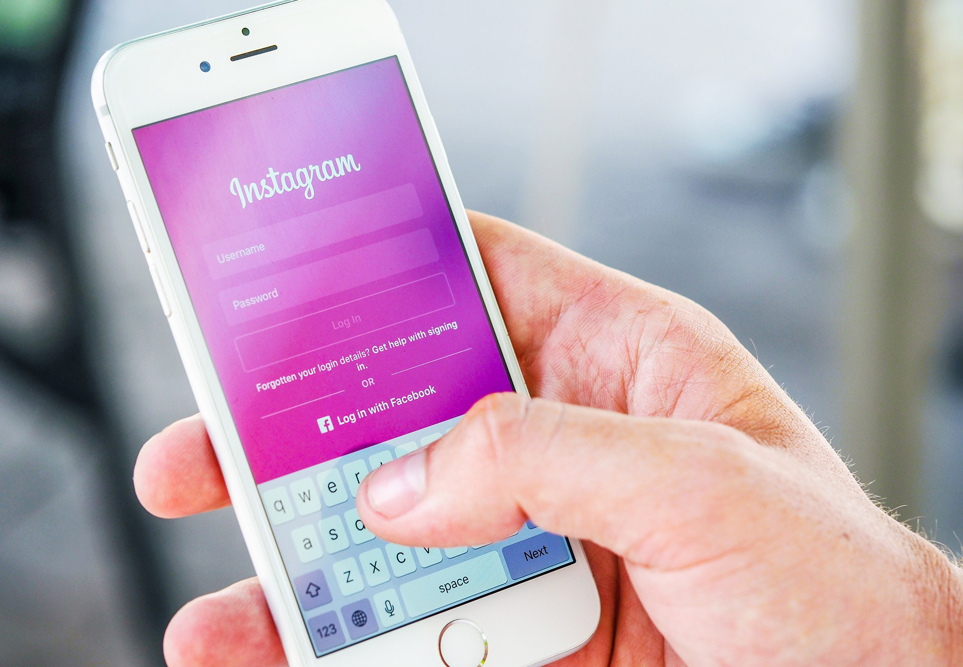 Should your business use Instagram?